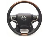 Руль рестайлинг II для Toyota Land Cruiser 200 2007-2021 в оригинальном стиле